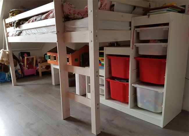 Hoogslaper Met Kast : Meer ruimte dankzij half hoogslaper ⋆ kidsshopgids